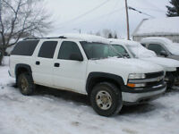2002 Chevy Suburban 2500 4x4 6.0 ltr =FOR PARTS ONLY=