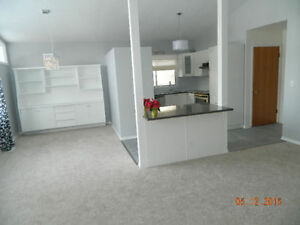 RENOVATED 3 BEDROOMS - 2 BATHS NEAR SOUTHGATE LRT