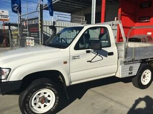 2003 Toyota Hilux VZN167R MY02 White 5 Speed Manual 2d Cab Chassis Clontarf Redcliffe Area Preview