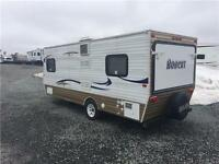Bobcat hybrid travel trailer in great condition (light weight)