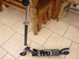 SANRIO HELLO KITTY SCOOTER VERY GOOD USED CONDITION !