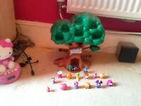 Moshi monster tree house plus various Moshi monsters