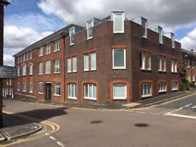 2 bedroom 2 bathroom flat with private parking space in St Albans City Centre