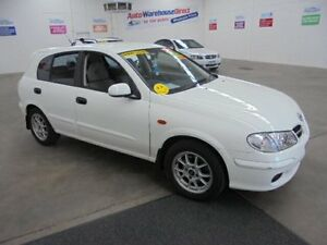 2002 Nissan Pulsar N16 Q White 5 Speed Manual Hatchback Wangara Wanneroo Area Preview