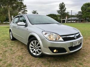 2006 Holden Astra AH MY06.5 CDTi Silver 6 Speed Manual Hatchback Somerton Park Holdfast Bay Preview