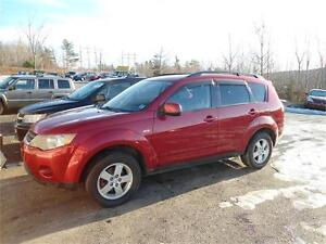REDUCED FROM $7900 TO $6900 - NICE SUV , OUTLANDER 4X4
