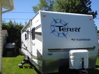 30' Fleewood Terry  trailer with bunk beds and queen size bed