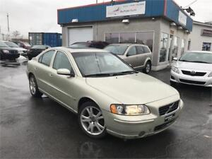 VOLVO S60 2006 / CUIR / TOIT OUVRANT / MAGS / PNEU DHIVER !!