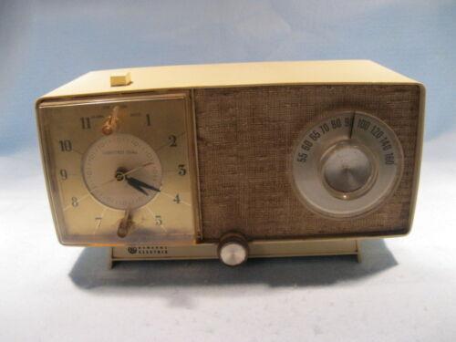 VINTAGE GENERAL ELECTRIC AM CLOCK RADIO