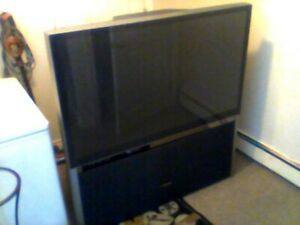 62 INCH BIG  TV  WORKS GREAT FIRST 80.00 GETS IT