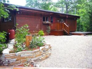 Red Cedar chalet only 30 minutes from Downtown Ottawa