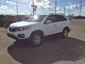 2011 KIA SORENTO LX V6 ALL WHEEL DRIVE