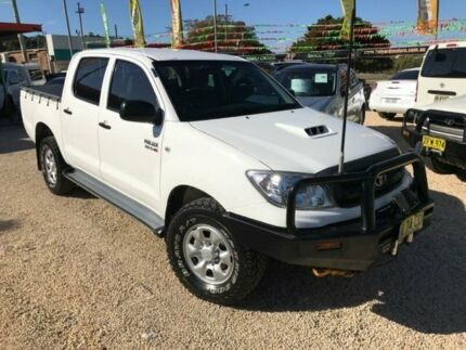 2010 Toyota Hilux KUN26R MY11 Upgrade SR (4x4) White 4 Speed Automatic Dual Cab Pick-up Islington Newcastle Area Preview