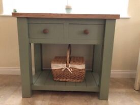Freestanding kitchen butcher's block with a solid oak top