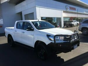 2015 Toyota Hilux GUN126R SR (4x4) Glacier White 6 Speed Automatic Dual Cab Utility Sale Wellington Area Preview