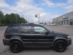 $ 2695 SAFETIED OR MAKE OFFER AS IS !!! 2005 FORD ESCAPE XLT 4WD