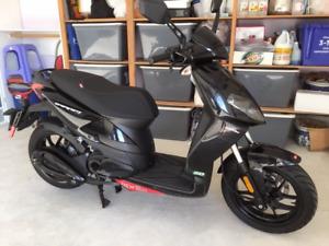 49cc Aprilia Scooter 400 km $ 2000, 604-322-8771