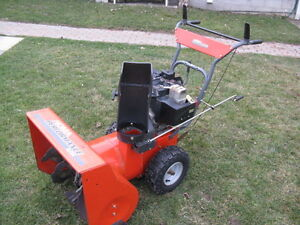 Noma 8 Hp 24 Inch Cut Snow Blower (Murray) Electric Start.