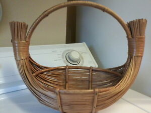 Group of 6 Vintage Baskets London Ontario image 2