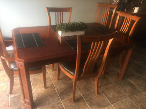 THOMASVILLE DINING TABLE WITH 6 CHAIRS  MUST SELL!!