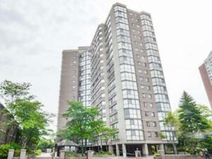 Gorgeous And Spacious Luxury Living In The Heart Of Square One