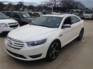 2015 Ford Taurus Limited AWD just 16.000 km