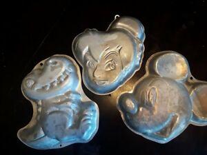 Moules à gâteaux Disney, dino, fée clochette et Mickey