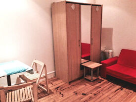 Cosy studio flat to rent 5 min to Turnpike Lane, first floor, separate kitchen