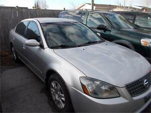 2005 Nissan Altima 3.5 S AS-TRADED NOISY ENGINE AS-IS