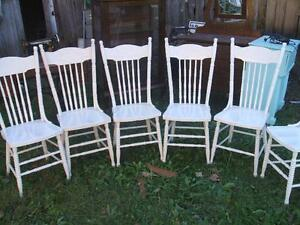 6 MATCHING PRESSBACK CHAIRS /LARGE RECTANGULAR OAK TABLE Ca.1900