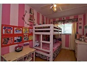SOLID WHITE BUNK BEDS