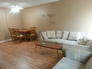 JULY-AUGUST 31ST - 1 ROOM AVAILABLE IN 4 BEDROOM TOWNHOUSE