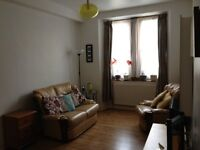 Fully furnitured one bed room flat to let available from 16th July