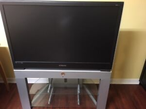 Samsung DLP TV with TV stand – 42''