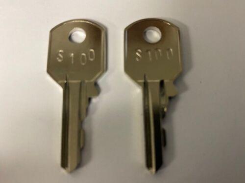 2 Steelcase S100 keys