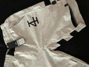 4 Invictus Shorts (Medium)