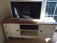 Nearly new - OAK FURNITURE LAND Bella Brushed Oak and Painted Large TV Cabinet