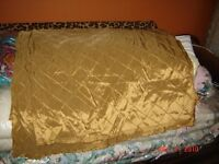 BEAUTIFUL GOLD FABRIC - OVER 5 METERS, TISSUS A VOIR !
