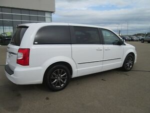 2015 CHRYSLER TOWN & COUNTRY S, LOWEST PRICED PERIOD!! V6, LEAT Edmonton Edmonton Area image 3