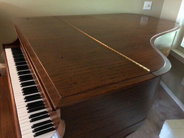 1915 Model A3 Steinway grand, Walnut (mahogany?) case, beautifully maintained.