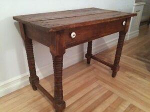 belle table antique en pin