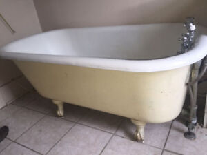 VINTAGE FREE STANDING BATHTUB - Cast Iron with Claw Feet