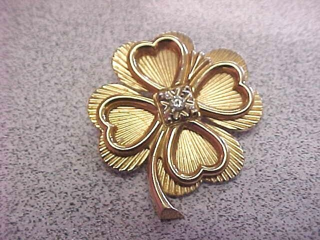 Beautiful 4 Leaf Clover & Diamond Pin 14k Gold    Make Offer