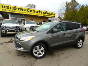 2014 ESCAPE, SE, AWD, HEATED SEATS, BACK UP CAM !!!