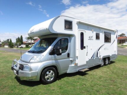 2010 Jayco Optimum 26ft – 14,000KMS!! - SLIDEOUT