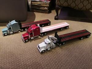 Diecast camions Peterbilt + Freightliner Flatbed