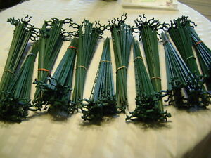 Christmas light stakes for Driveway, Sidewalk etc.