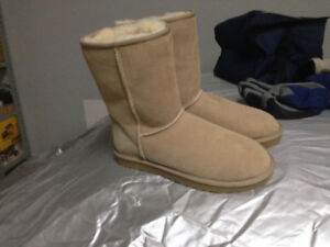 UGG Boots - BRAND NEW - NEUVE from Brown  Never used Size9