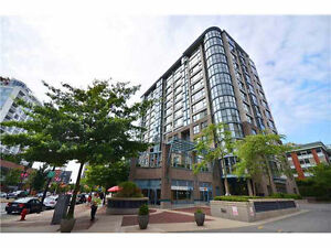 Vancouver Downtown Rare-find 3Br+2bath high-rise unit for Rent!