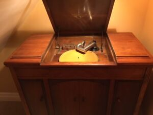 Victrola Barona Orthophonic Victor talking machine/gramophone